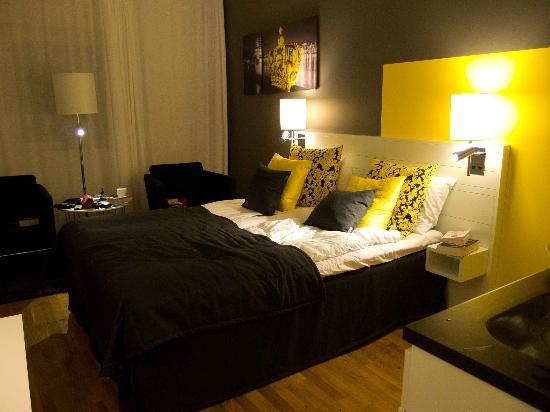 Sky Hotel Apartments Stockholm : nice bed