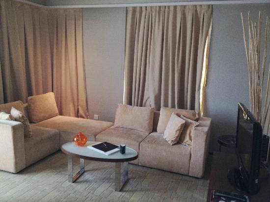 Traders Hotel, Kuala Lumpur: Living area
