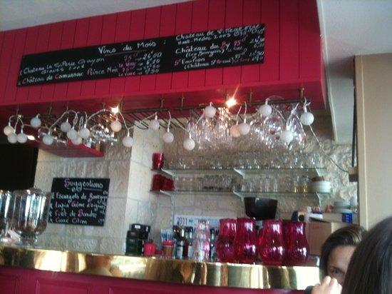 Le P'tit Bistro d'Honfleur: le bar
