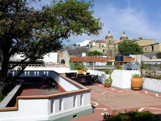 Hotel Casa Vértiz: View form the roof terrace looking towards the Santa Domingo church