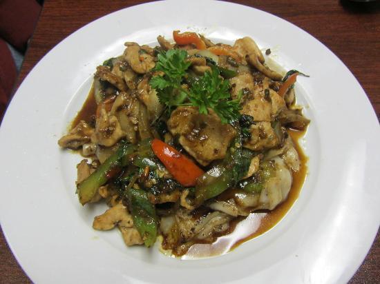 ThaiBox: Drunken Noodle w/ Beef