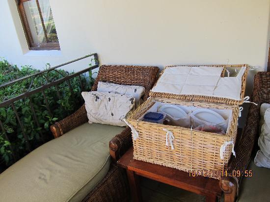 """Alluvia Wine Estate: """"picnic"""" breakfast"""