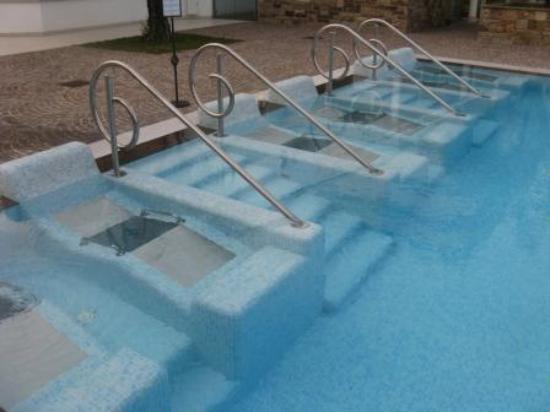 Hotel Terme Tritone Thermae & Spa: Piscina grande deserta