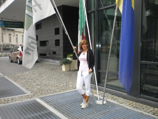 Holiday Inn Turin-Corso Francia : davanti all'hotel