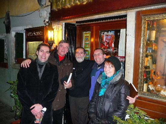Ristorante Antica Sacrestia: Bruno, Maurizio, Paul, Marie-Paule di Bruxelles con Pino Calliandro