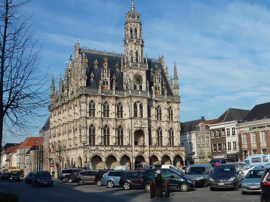 Town Hall and Belfry : Town Hall of Oudenaarde at the Market