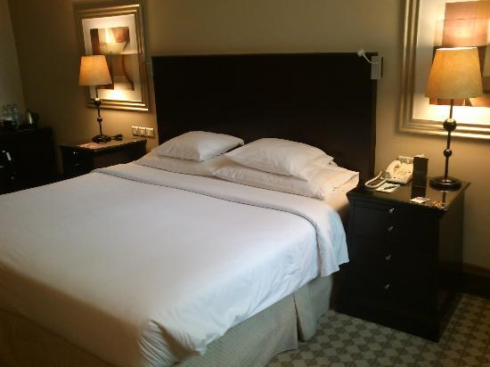 Sheraton Khalidiya Hotel: Club Room