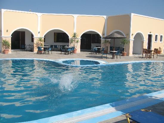 مايستروس فيليدج: La piscina