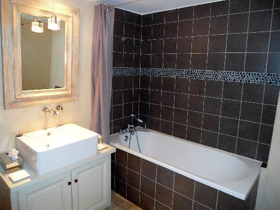 Le Couvent d'Herepian: Salle de bains