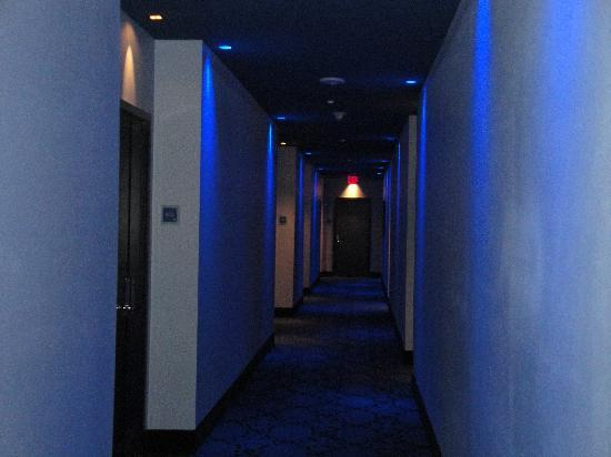 The Saint Hotel, Autograph Collection: Dark hallways with mood lighting