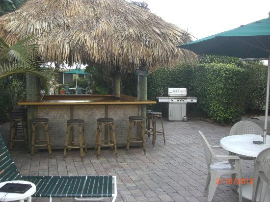 Casitas Coral Ridge: The Tiki Bar