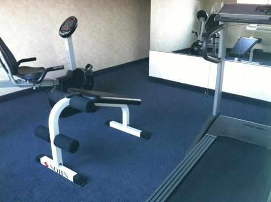 Comfort Inn & Suites Near Temecula Wine Country: treadmill & bike work well