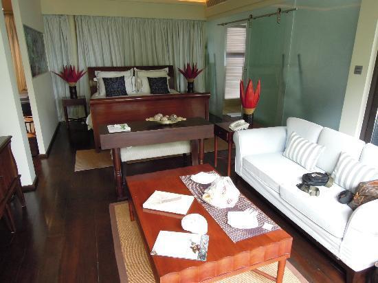Dhevatara Beach Hotel: Zimmer im Dhevatara