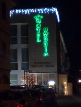 Hotel Umbria : L'HOTEL DA FUORI