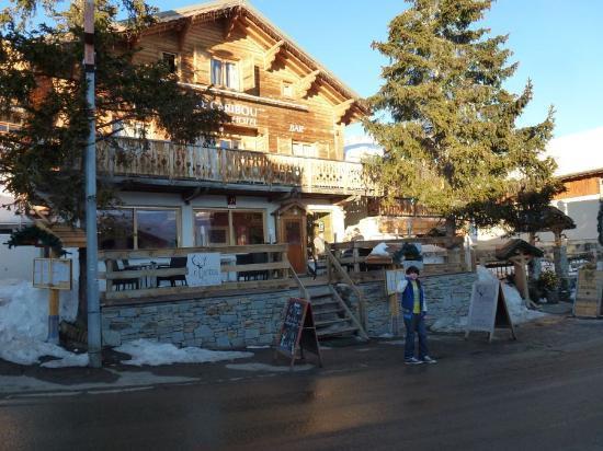 Hotel le Caribou : Facade du caribou