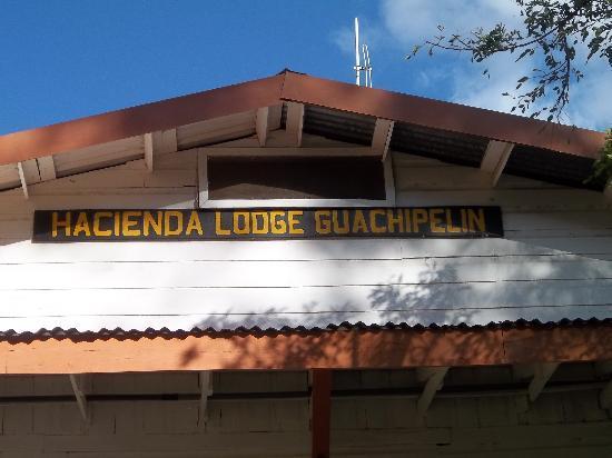 Hacienda Guachipelin : enseigne