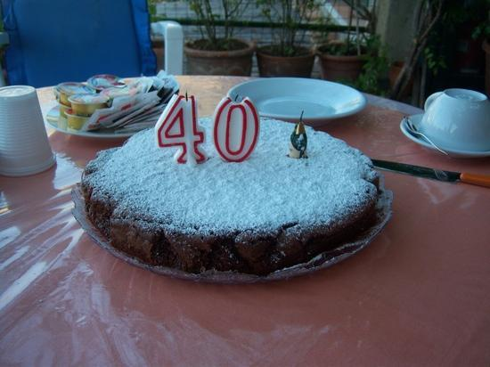 Holiday House Gilda: my surprise 40th Birthday cake, bakes by Gilda!