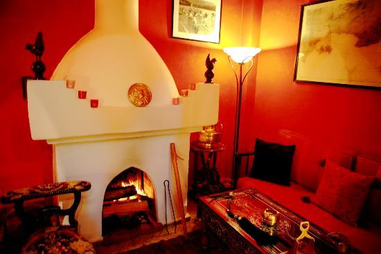 Salon Romantique Avec Cheminee Picture Of Dar Sultan Tangier