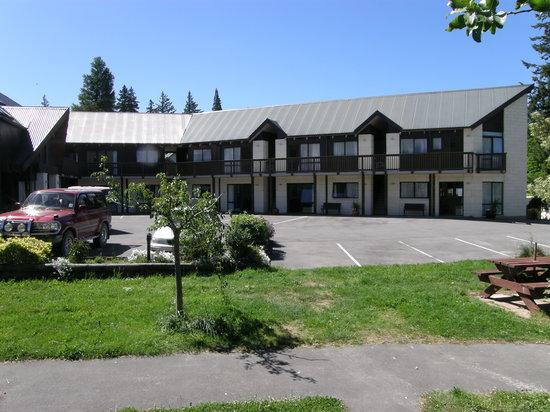 ASURE Hanmer Inn Motel: motel outside