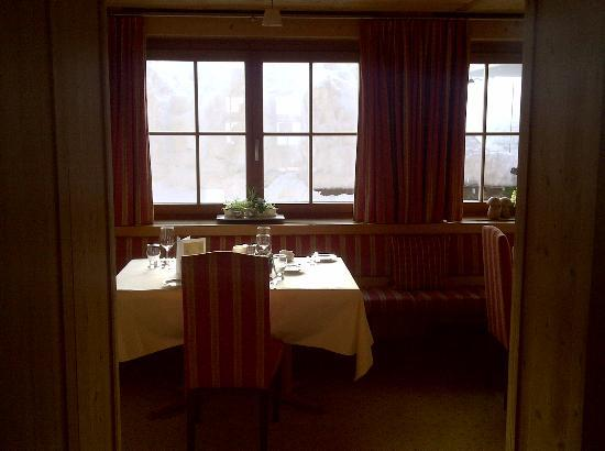 Hotel Aurora: cozy restaurant