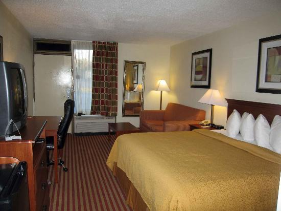 Quality Inn Madison: Single King Room