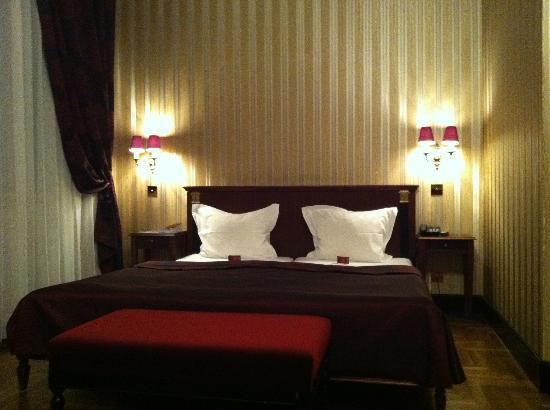 Gerloczy Rooms de Lux: double bed
