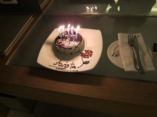 Novotel Phuket Kata Avista Resort and Spa: Birthday cake