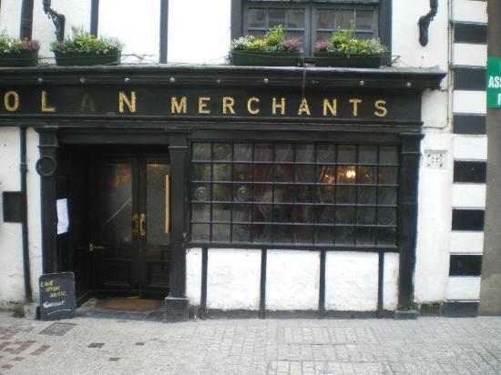 TH Doolan's Pub: The Entrance