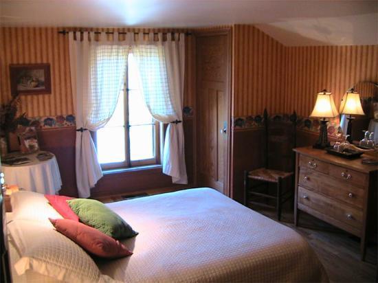 Au Ruisseau Enchanté : Une des 3 chambres disponibles