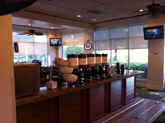Hilton Garden Inn Orlando at SeaWorld: Self Serve Drinks
