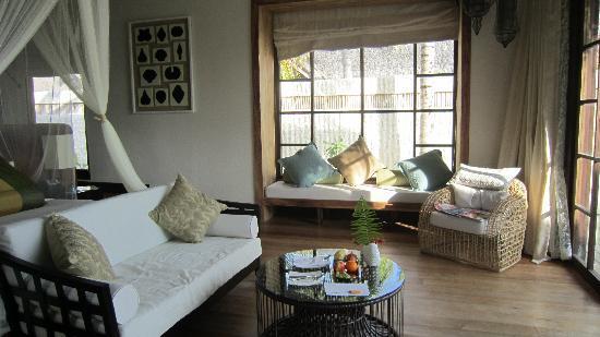 Jumeirah Vittaveli: Inside room
