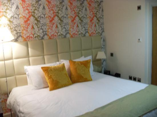 Ethos Hotel: Our bedroom