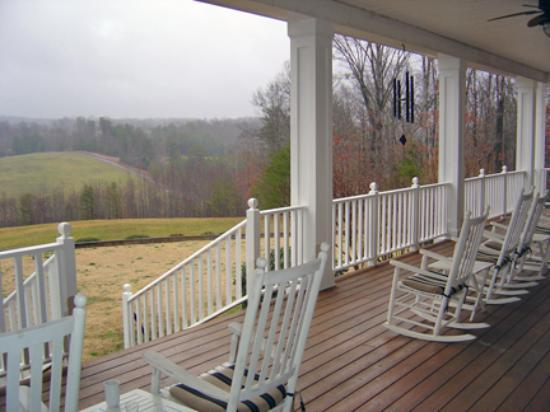 Dahlonega Spa Resort: Front Porch View
