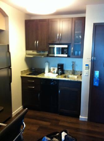 Hyatt House Philadelphia/King of Prussia: kitchen