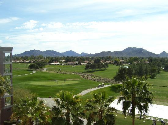 Embassy Suites by Hilton Phoenix-Scottsdale: View from our balcony