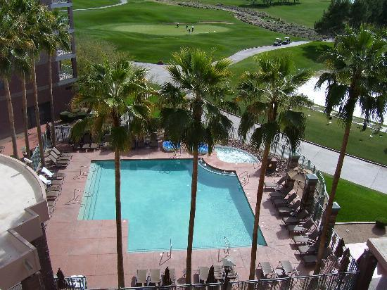 Embassy Suites by Hilton Phoenix-Scottsdale: View of pool from our balcony