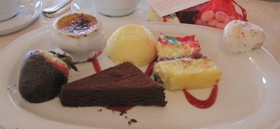 Highlawn Pavilion: Dessert plate
