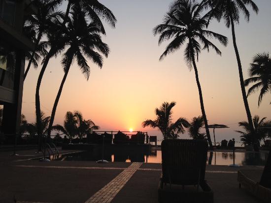 Novotel Mumbai Juhu Beach: Novotel Sunset