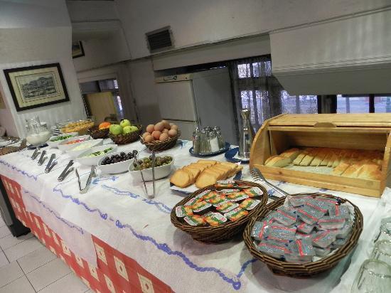 Hotel Fivos: desayuno