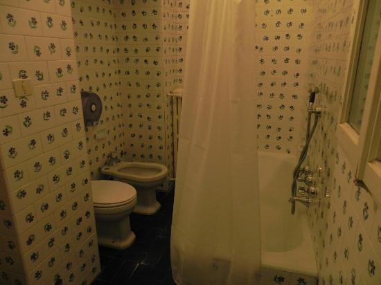 Soggiorno Pitti: baño