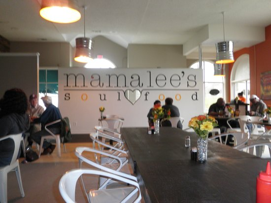 Mama Lee's Soul Food: the Montgomery location