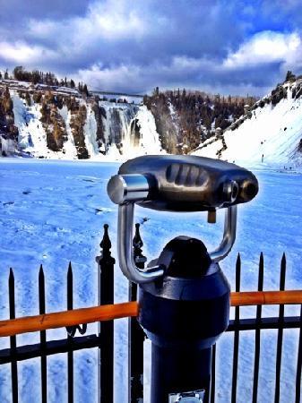 Mont Orford : quedas d'água no inverno