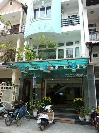 Sen Hotel Hue