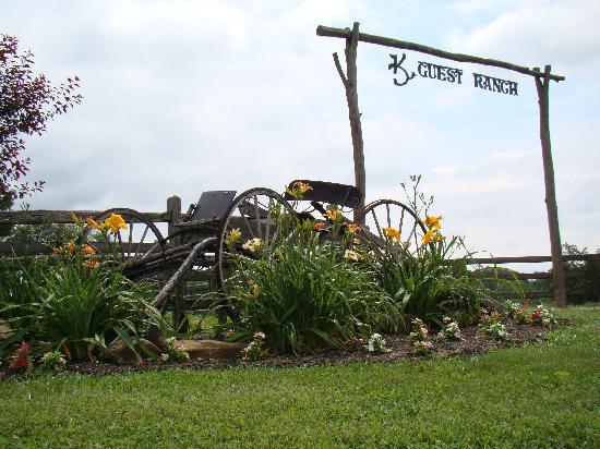 KD Guest Ranch Entrance