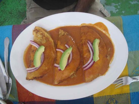 Mariscos Cisneros: crab tacos