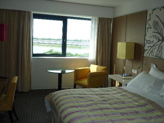 Pullman Bordeaux Lac: photo of the room