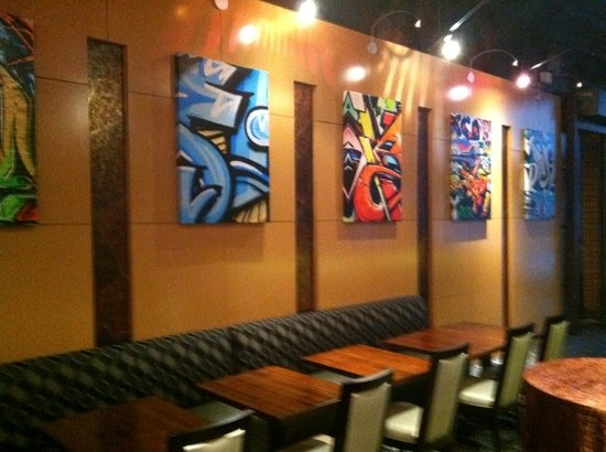 Eighty3 : Dine in style...