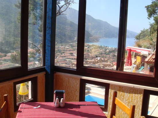 Belle Vue Hotel: Vue depuis la salle de petit-déjeuner