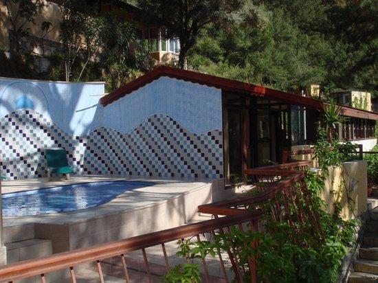 Belle Vue Butik Hotel: Annexe de la piscine et réception