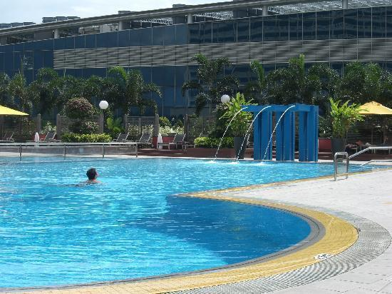 Pool picture of marina mandarin singapore singapore - Marina mandarin singapore swimming pool ...